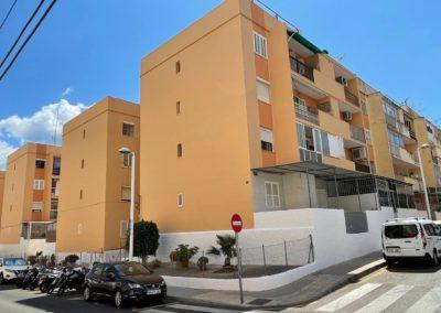 Restauración y rehabilitación de una fachada en Sonroca calle Cabo Blanco, 16