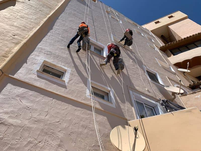 Por qué limpiar la fachada de los edificios