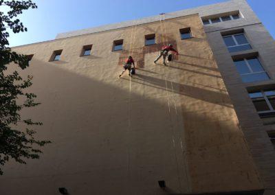 Restauración de fachada en comunidad de vecinos
