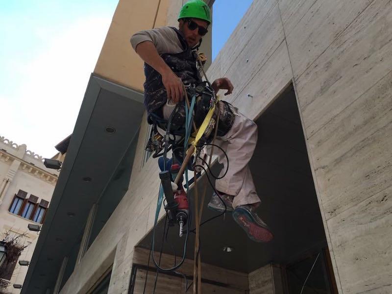 Medidas de seguridad en los trabajos verticales y la construcción