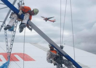 Trabajos de altura en el aeropuerto de Palma